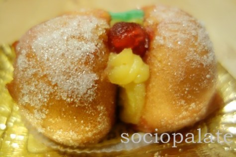 Pesche Ripiene a traditional cookie from Tuscan and Emiglia Romagna