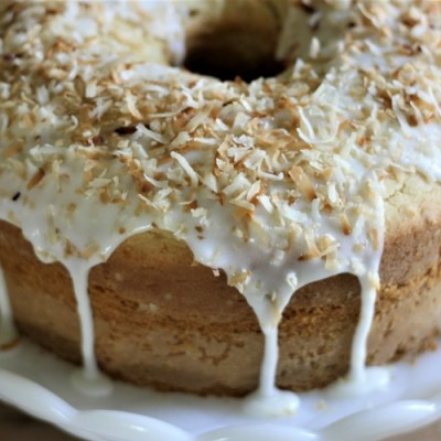 Old Fashion Coconut Pound Cake