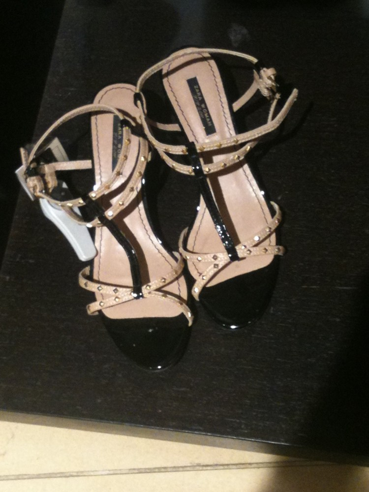 Valentino shoes look alike at Zara (4/5)