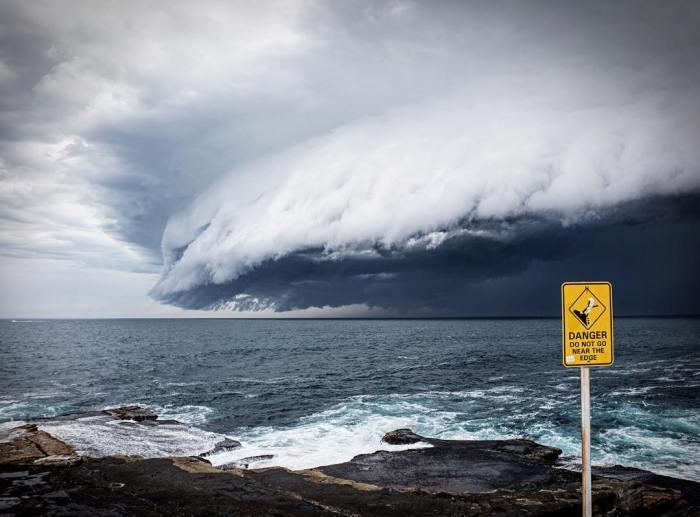 massive-cloud-tsunami-sydney-australia-1