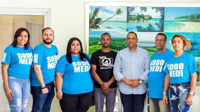 Al centro, representantes del Codepres, junto a directivos de Sodomedi