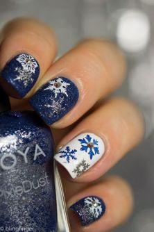 blogmas 2015, day 10, festive christmas nail art, white and navy, stars, snow, inspiration, goals, artsy, tumblr, pinterest, bblogger, aesthetics