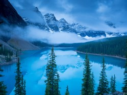 Probably the most famous lake in Banff NP, I thought the icy beauty of Moraine Lake looked best just before sunrise