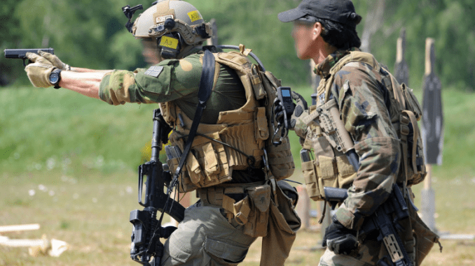 Combat Pistol Shooting at ISTC Range (Photo ISTC Flickr).