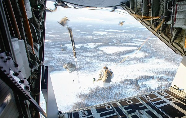 Winter Parachute Jump March 2018. Photo by SOCEUR.