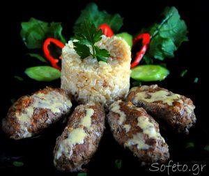 Μπιφτέκια με σάλτσα αλά Sofeto , ο διατροφικός συνδυασμός για την καλύτερη απορρόφηση σιδήρου.