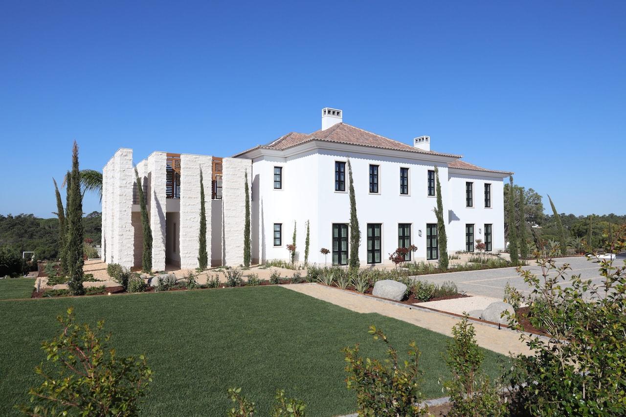 CS House – Exterior