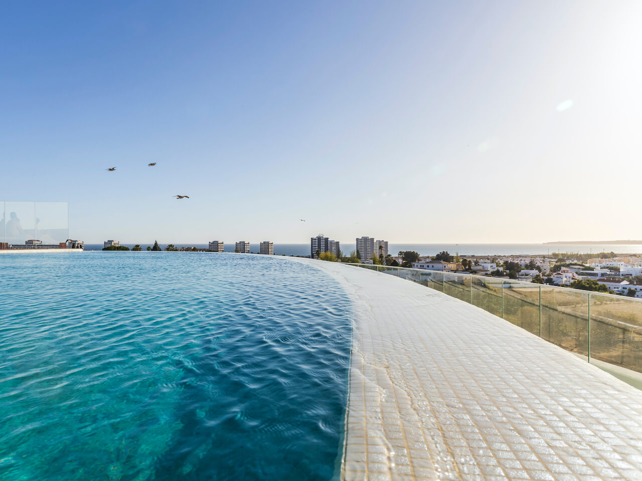 Longevity Hotel - Piscina   Swimming Poo