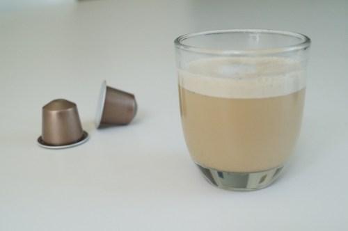 iskaffe uden mælk og sukker