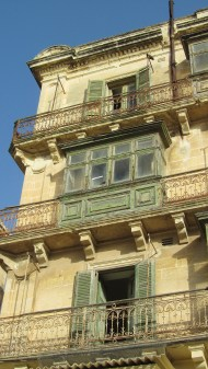 Traditional maltesean balconys. Is wierd that in the middle of the capital - there are plenty of abandoned buildings!!