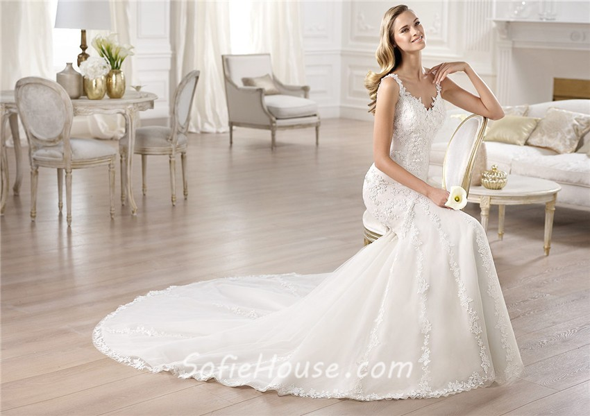 Classic Fitted Mermaid V Neck Open Back Lace Wedding Dress
