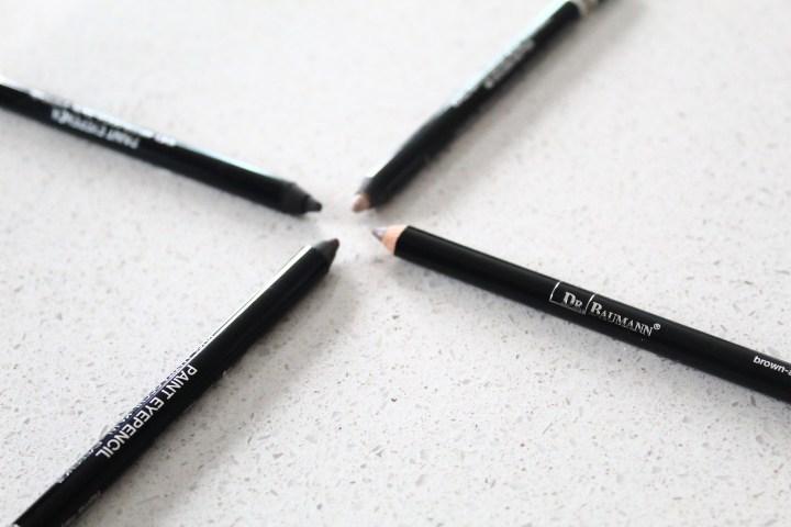 Waarom je beter eens nadenkt over dat zwart lijntje rond jouw ogen