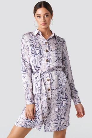 rut-20-01-32 zahra button dress