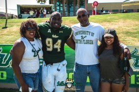 146 - USF Spring Game 2018 - USF DE Kirk Livingstone with Family by Dennis Akers | SoFloBulls.com (5343x3567)