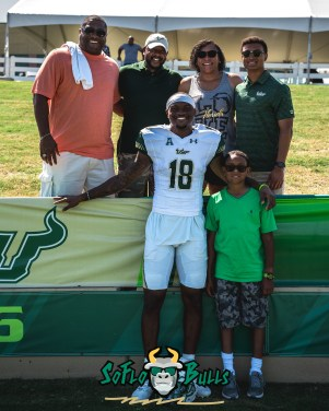 151 - USF Spring Game 2018 - USF WR DeVontres Dukes with Family by Dennis Akers - SoFloBulls.com (3874x4842)