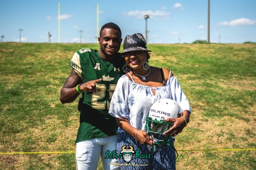 152 - USF Spring Game 2018 - USF DB Mazzi Wilkins with Family by Dennis Akers | SoFloBulls.com (5097x3403)