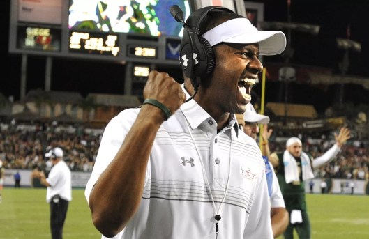 USF Head Coach Willie Taggart Interview on 620WDAE SoFloBulls.com (07.15.2016) (1300x842)