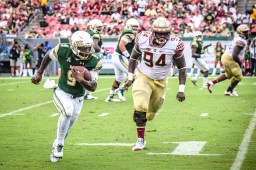 FSU vs USF 2016 94 - Quinton Flowers pursued by Walvenski Aime by Dennis Akers (3736x2491)