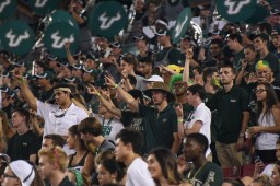 USF Crowd vs. NIU 2016