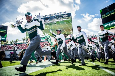 18 USF vs ECU 2016 - USF Marching Band 3 (6016x4016)