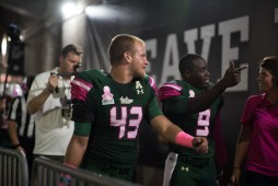 2 - UConn vs USF 2016 - USF LB Auggie Sanchez and QB Quinton Flowers (6016x4016)