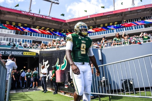 21 USF vs ECU 2016 - USF QB Quinton Flowers exiting the tunnel 3 (4171x2781)