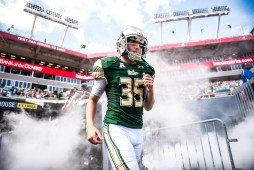32 USF vs ECU 2016 - USF PK Emilio Nadelman exiting the tunnel (6016x4016)