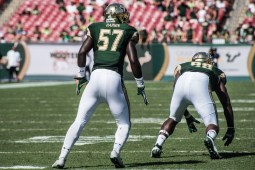 84 USF vs ECU 2016 - USF LB Nigel Harris (5475x3655)