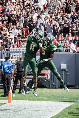 18 - USF vs. UCF 2016 - USF RB Marlon Mack and WR Marquez Valdes-Scantling celebrate the TD by Dennis Akers | SoFloBulls.com (2681x4016)
