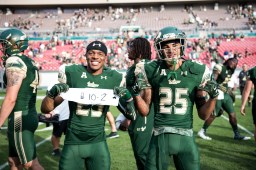 96 - USF vs. UCF 2016 - USF WR Marcus Wingate CB Cameron Gergley 10-2 Towl #WarOnI4 by Dennis Akers | SoFloBulls.com (6016x4016)