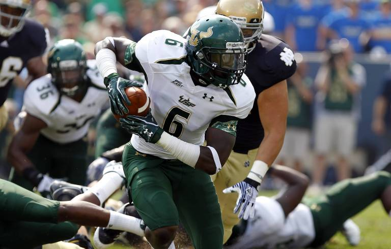 USF DB Kayvon Webster recovers fumble for touchdown vs. Notre Dame 2011 II (3843x2450)