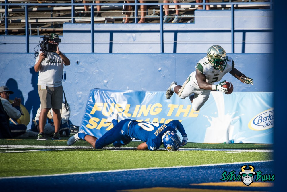 100 - USF vs. San Jose State 2017 - USF RB D'Ernest Johnson by Dennis Akers | SoFloBulls.com (3862x2578)