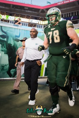 37 - Temple vs. USF 2017 - USF OL Billy Atterbury Charlie Strong by Dennis Akers | SoFloBulls.com (2829x4238)