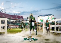 45 - Temple vs. USF 2017 - USF RB D'Ernest Johnson by Dennis Akers | SoFloBulls.com (4252x3037)