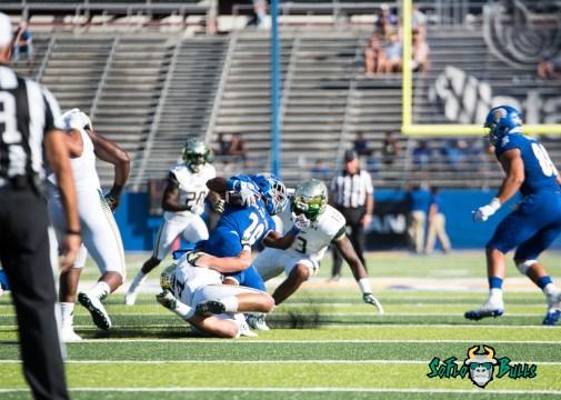 63 - USF vs. San Jose State 2017 - USF LB Nico Sawtelle Tajee Fullwood by Dennis Akers | SoFloBulls.com (3792x2709)