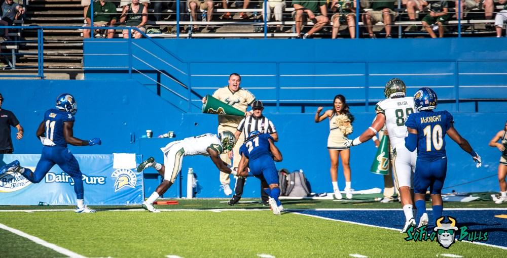 70 - USF vs. San Jose State 2017 - USF WR Darnell Salomon by Dennis Akers | SoFloBulls.com (4627x2358)
