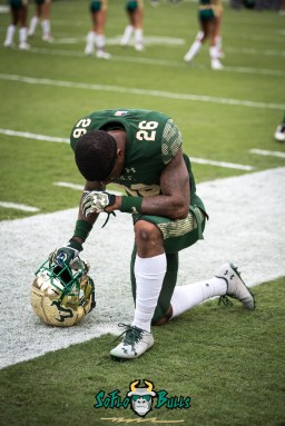 2 - USF vs. Houston 2017 - USF RB Davion Sutton by Dennis Akers | SoFloBulls.com (3856x5776)