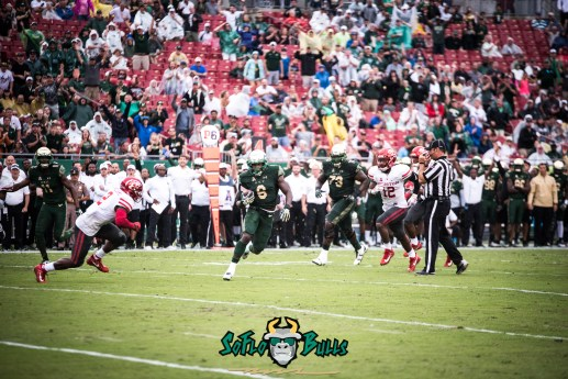 28 - USF vs. Houston 2017 - USF RB Darius Tice OL Jeremi Hall by Dennis Akers | SoFloBulls.com (6016x4016)