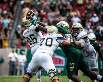 129 - Georgia Tech vs. USF 2018 - USF DE Kirk Livingstone by Dennis Akers | SoFloBulls.com (4874x3899)