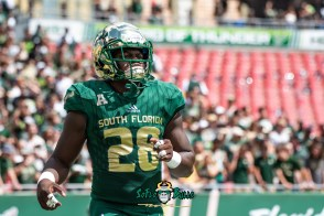 19 - Georgia Tech vs. USF 2018 - USF RB Trevon Sands by Dennis Akers | SoFloBulls.com (6016x4016)