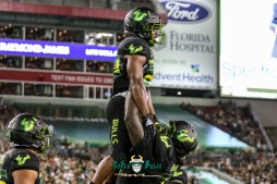 122 - USF vs. UConn 2018 - USF RB Johnny Ford Marcus Norman by Will Turner   SoFloBulls.com (4219x2818) - 0H8A8814
