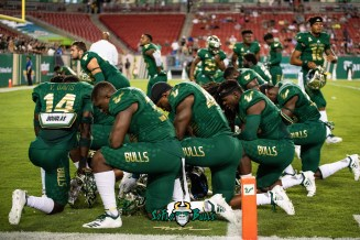28 - USF vs. ECU 2018 - USF Football Team Pre-Game Prayer by Dennis Akers | SoFloBulls.com (5601x3739)