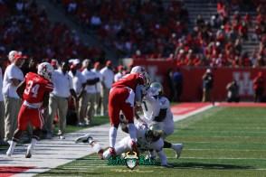 101 - USF vs. Houston 2018 - USF DB Nick Roberts Mike Hampton Khalid McGee by Will Turner | SoFloBulls.com (5472x3648) - 0H8A9601