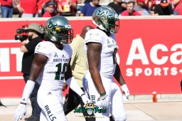 66 - USF vs. Houston 2018 - USF DB Ronnie Hoggins Tyre McCants by Will Turner | SoFloBulls.com (5472x3648) - 0H8A9465