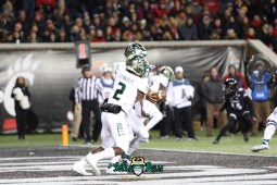 35 – USF vs. Cincinnati 2018 – USF RB Jordan Cronkrite Chris Oladokun by Will Turner – SoFloBulls.com – 0H8A1034