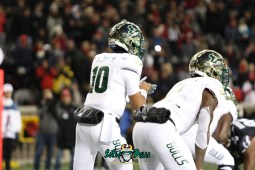 40 – USF vs. Cincinnati 2018 – USF QB Chris Oladokun by Will Turner – SoFloBulls.com – 0H8A1041