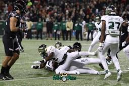 44 – USF vs. Cincinnati 2018 – USF LB Khalid McGee Nick Roberts Naytron Culpepper by Will Turner – SoFloBulls.com – 0H8A1055