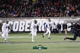 54 – USF vs. Cincinnati 2018 – USF LB Keirston Johnson Odunayo Seriki Jake Stone by Will Turner – SoFloBulls.com – 0H8A1097