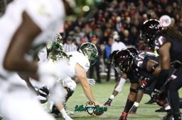 66 – USF vs. Cincinnati 2018 – USF OL Brad Cecil vs. Bearcats DL by Will Turner – SoFloBulls.com – 0H8A1136