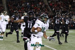 70 – USF vs. Cincinnati 2018 – USF QB Chris Oladokun by Will Turner – SoFloBulls.com – 0H8A1158